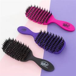 WetBrush Flex Dry Shine Enhancer Plaukų džiovinimo šepetys su natūraliais šereliais